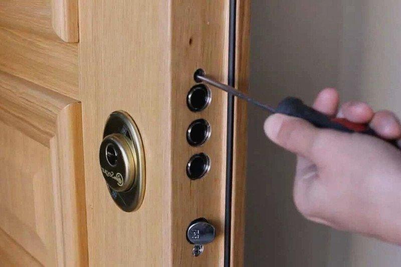 cambiar cerradura puerta blindada 800 4 2021 - Cambiar Cerradura Puerta Blindada en Barcelona Valencia Madrid Burgos Alicante